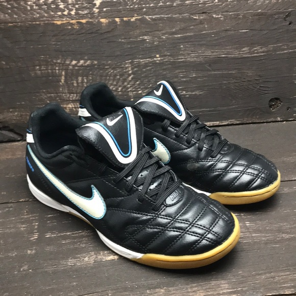 Muscular Crítica Ligadura  Nike Shoes | Nike Tiempo Natural Iii Indoor Soccer Shoes Size 7 | Poshmark